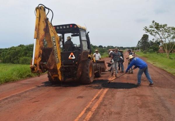 Prefeitura de Bela Vista inicia Tapa Buraco na avenida Teodoro Sativa