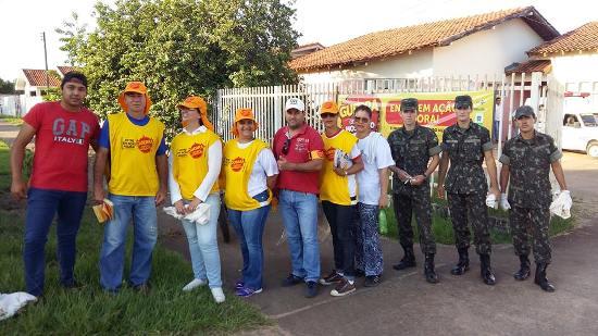 Prefeitura e 10º RCMec combatem a dengue em Caracol