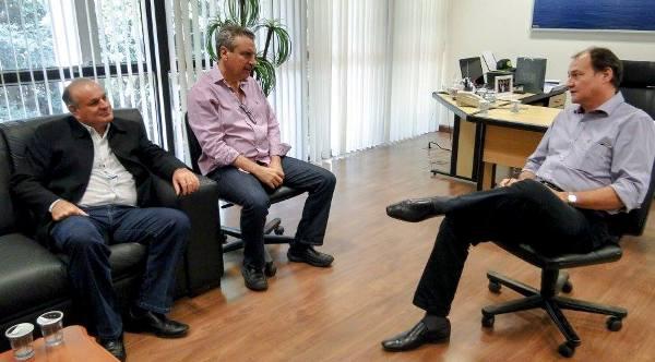 Manoel Viais e Paulo Corrêa procuram Secretaria de Infraestrutura para solucionar problemas das Estradas Vicinais