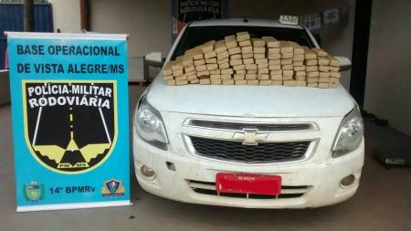Polícia Militar Rodoviária apreende droga escondida em táxi com placas de Recife