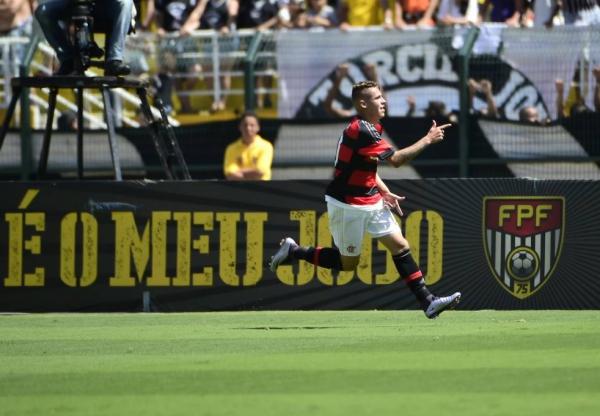 Fla reage sobre o Timão, goleiro vira herói e Rubro-Negro é campeão nos pênaltis