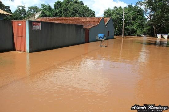 Bela Vista, uma cidade embaixo d'água – Rio sobe 12 metros e desaloja 43 famílias