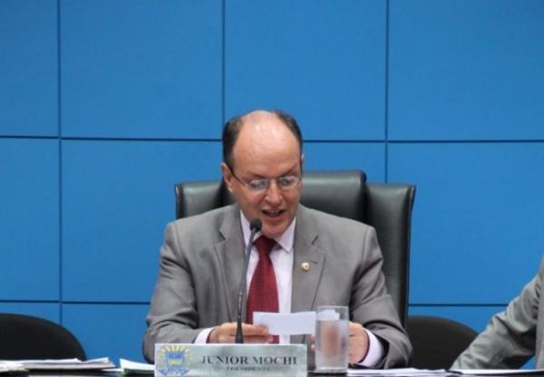 Deputados retornam tentando conciliar trabalho com apoio às bases eleitorais