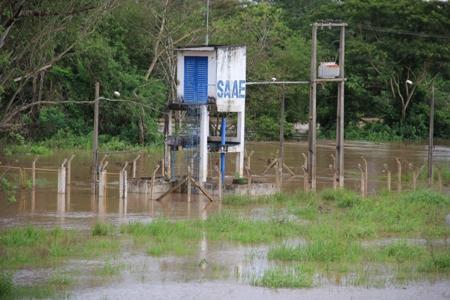 Prefeitura e Defesa Civil Municipal iniciaram retirada de moradores Ribeirinhos