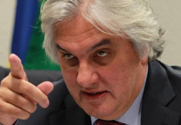 Delcídio cita Renan, Aécio e mais três senadores em delação, dizem jornais