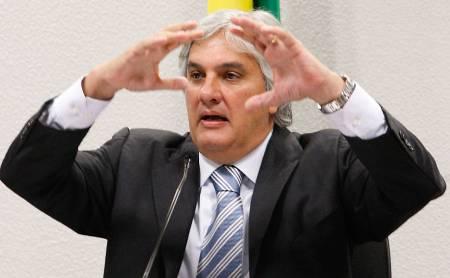 Delcídio explode Planalto, estilhaça  PT e incendeia o País com delação