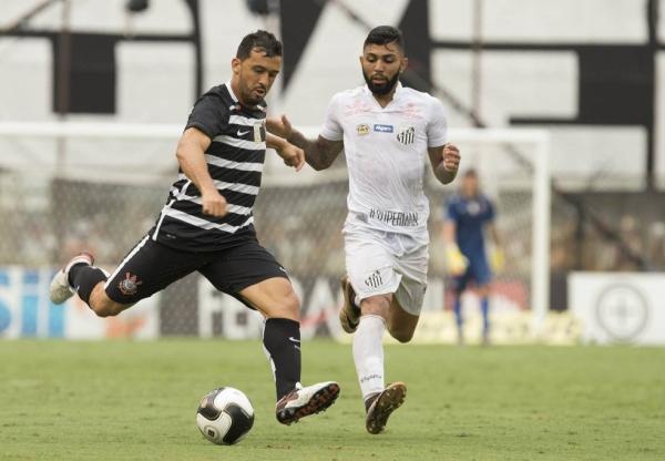 Ricardo Oliveira marca dois e define triunfo do Santos sobre o Corinthians
