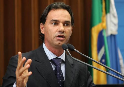 Marcos Trad oficializa saída do PMDB e diz que falará com o governador