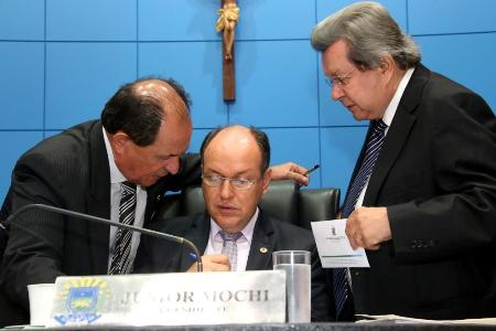 Mesa Diretora propõe reajuste salarial para servidores do Legislativo