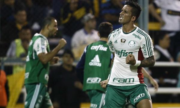 Gabriel Jesus faz dois, é expulso e Palmeiras sobrevive com empate