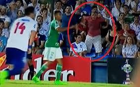 Conmebol multa Nacional por gestos racistas contra Gabriel Jesus