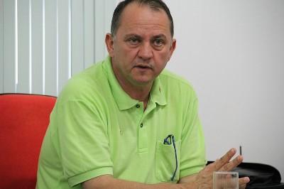 Prefeito Douglas Gomes ressalta compromisso de pagar salários dos servidores em dia