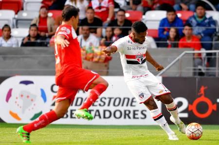 São Paulo se apoia em vantagem e vai às quartas com derrota para o Toluca