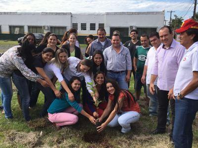 Alunos de Bela Vista participam de aula sobre importância da erva-mate