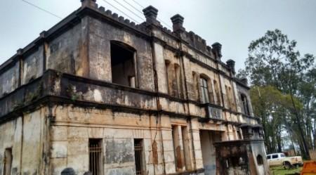 Prédio histórico da década de 20, Castelinho terá destino debatido em audiência pública