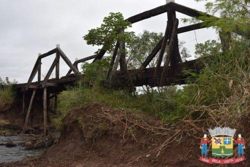Ponte no Apa Mi e interditada pela Defesa Civil de Bela Vista