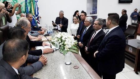 Mesa Diretora que conduzirá o legislativo em 2018 toma posse em Ponta Porã