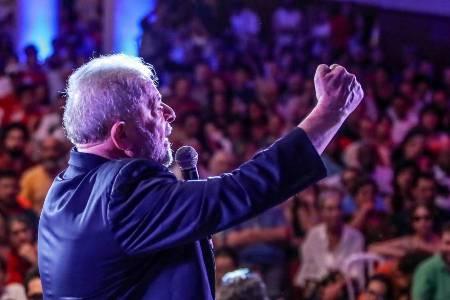 Lula vai a Porto Alegre um dia antes de julgamento no TRF4