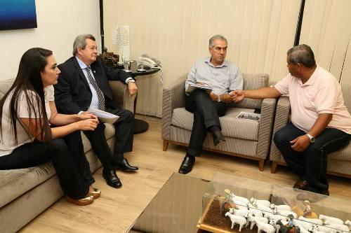 Hemerson Buiu e Fabrizia Tinoco, participam de Audiência com Onevan de Matos e governador Reinaldo Azambuja.
