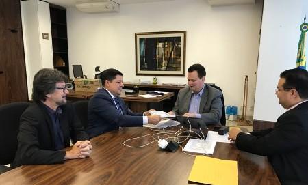 Caio Augusto debate projetos para Ponta Porã em Brasília