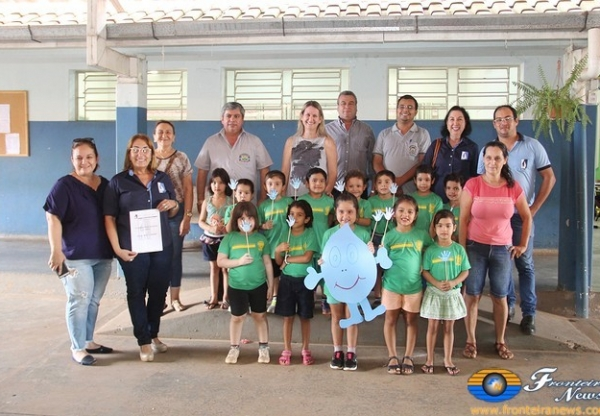 Entregue regulamento do Concurso do SAAE as Escolas Municipais e Estaduais de Bela Vista