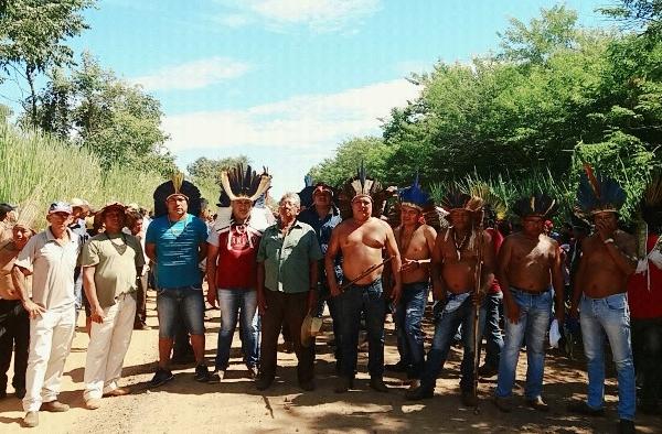 Em clima tenso, índios repudiam decisão do STJ, prometem resistir e retomar 4 fazendas
