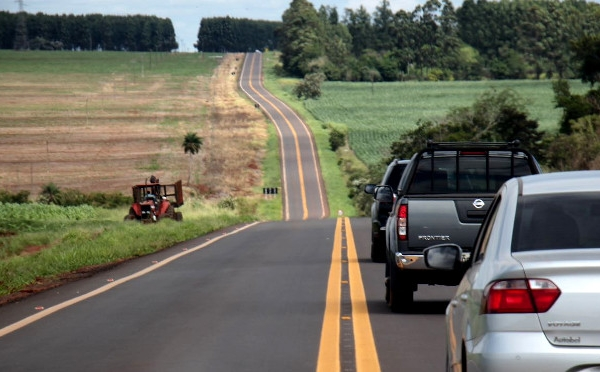 "Rodovia tomada por buracos e ""farelo"" de asfalto é reconstruída e entregue pelo Governo"
