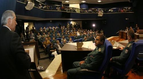 Em formatura de oficiais, Reinaldo Azambuja cobra tratamento igualitário do Governo Federal
