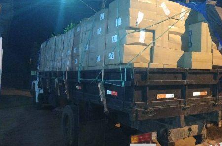 Polícia Militar de Bela Vista apreende caminhão carregado de cigarros contrabandeados