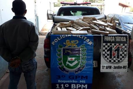 PMapreende mais de meia tonelada de maconha e recupera veículo furtado