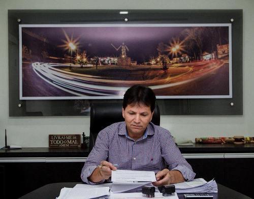 Antônio João: Investimento de R$ 5,6 milhões amplia rede de coleta e tratamento de esgoto