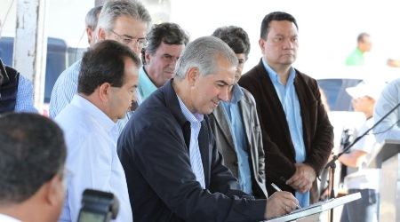 Reinaldo Azambuja vai a Amambai, Anaurilândia e Batayporã com R$ 15 milhões em investimentos