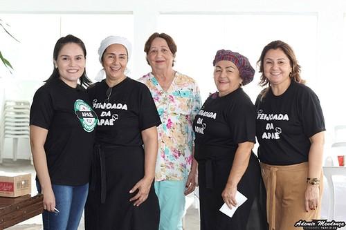 Apae de Bela Vista realizou neste domingo Feijoada Solidária
