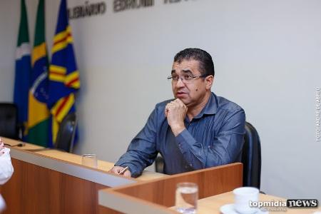 Vereador deseja 'morte' de ladrões de fios de energia e recebe apoio de colegas