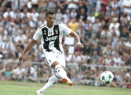 Em sete minutos, Cristiano Ronaldo marca primeiro gol pela Juve