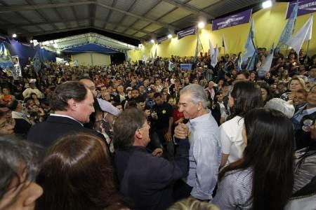 Prefeitos e vereadores se juntam à Onda Azul e reforçam apoio à Reinaldo