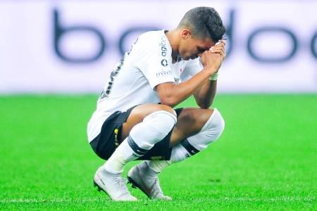 Jair protege Léo Santos, admite Jonathas mal e aprova Sheik
