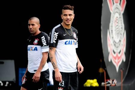 Guerrero confirma presença em partida de despedida de Sheik