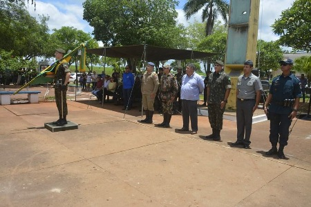 Polícia Militar de Porto Murtinho marca presença em solenidade militar do Exército Brasileiro alusiva ao Dia da Bandeira