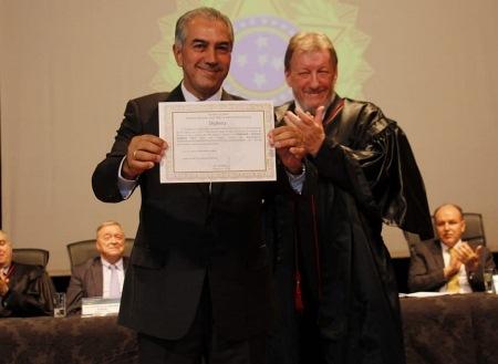 Governador recebe diploma para 2º mandato, cita conquistas e garante gestão eficiente até 2022