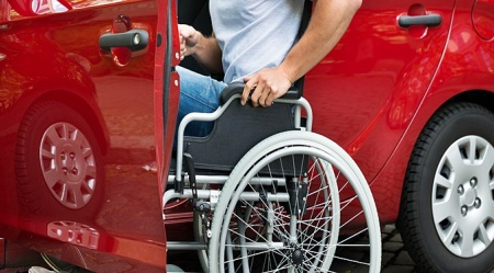 Deficientes físicos têm direito a desconto na compra do veículo e no pagamento do tributo