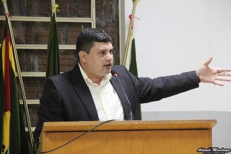 Câmara aprova projeto do vereador Johnys Basso que regulamenta feiras de produtos e mercadorias na cidade