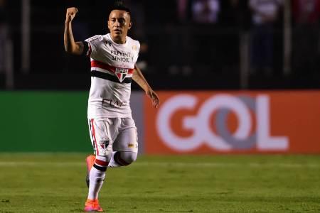 Santos anuncia contratação de Christian Cueva