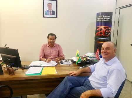 Prefeito Manoel Viais busca parceria com a Fundesporte