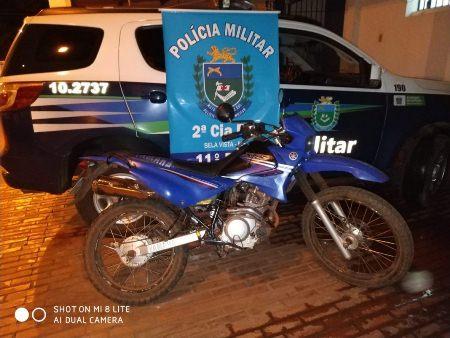Polícia Militar recupera moto furtada no bairro Espírito Santo em Bela Vista
