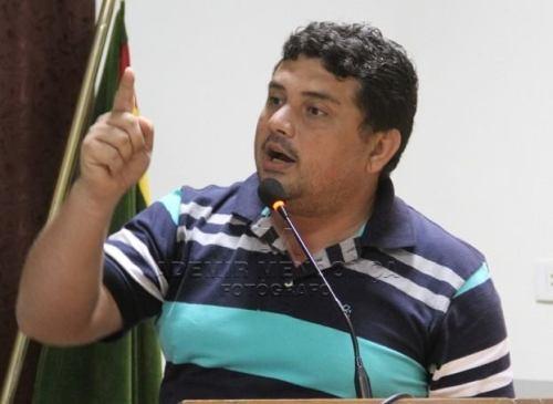 """Câmara Aprova """"Projeto de Lei"""" do vereador Johnys Basso que regulamenta limpeza de terrenos baldios"""