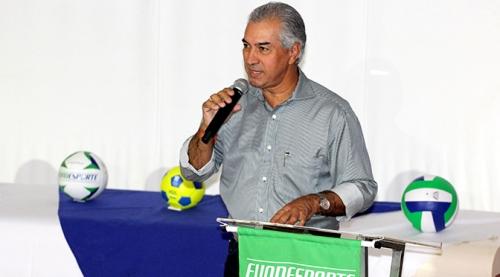 Reinaldo Azambuja defende esporte como ferramenta social em fórum que debate políticas públicas para o setor