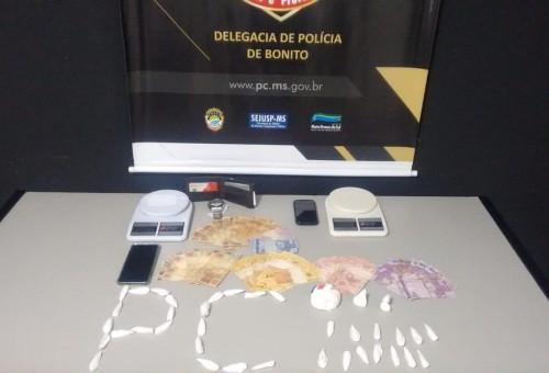 Polícia Civil prende traficantes responsáveis por venda de cocaína em operação de Carnaval em Bonito