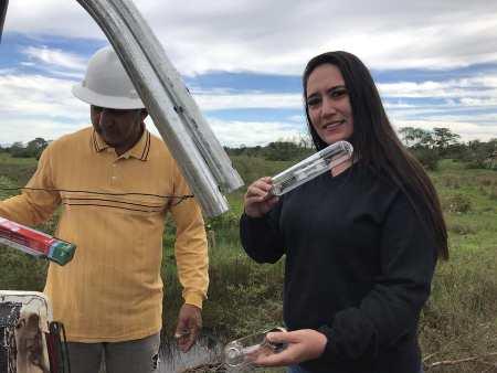 Vereadora Fabrizia Tinoco pede reparo em lâmpadas em diversos locais