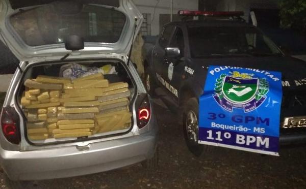 Polícia Militar apreende veículo com 311 kg de maconha, no Distrito do Boqueirão